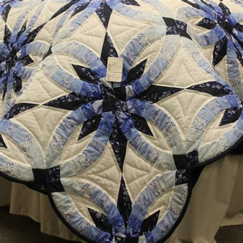 wedding ring quilt for sale handmade amish quilt for sale wedding ring quilt