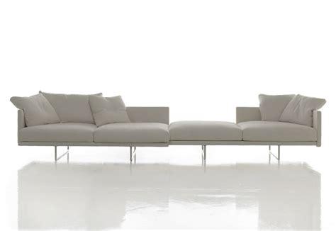 divano toot cassina toot sofa white by cassina stylepark