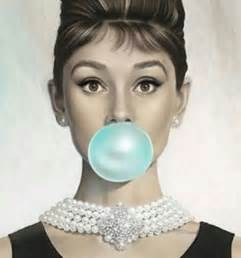 Feminine Duvet Covers Jewels Audrey Hepburn Necklace Breakfast At Tiffany S