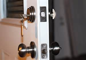 Front Door Security Locks How To Secure The Front Door In Your Rental House Reolink