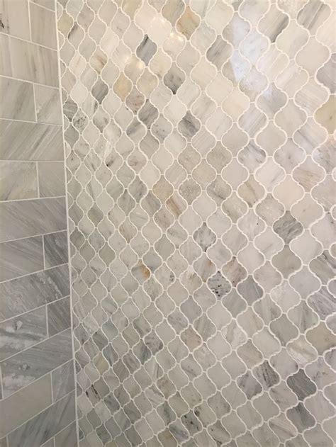 arabesque tile backsplash the 25 best ideas about arabesque tile on