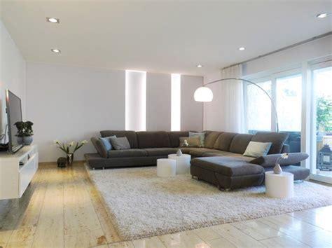 houzz esszimmer beleuchtung sehr interessante beleuchtung an der wand hinter dem sofa