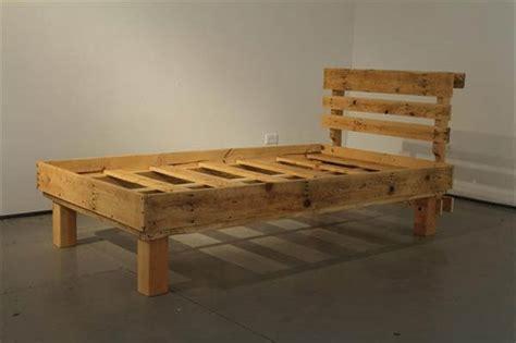How To Make Bed Frame With Pallets 10 Diy Pallet Bed Frames Diy And Crafts