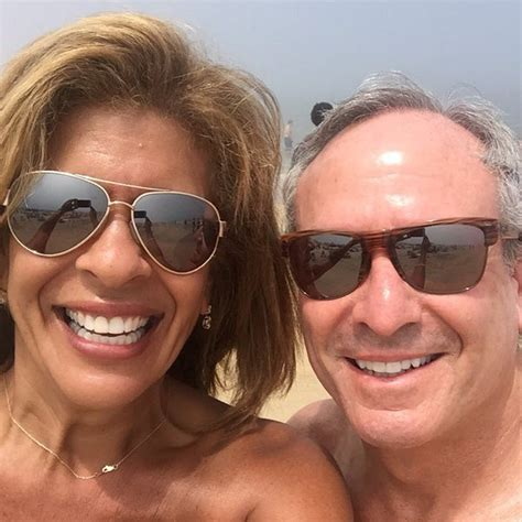 Trump S Apartment Pics by Hoda Kotb Is Getting An Apartment With Boyfriend Joel