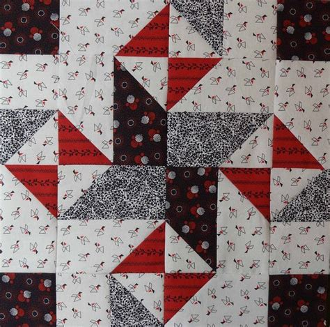 Black And White Quilt Block Patterns by Quarter Block Could Do This Block In Black And