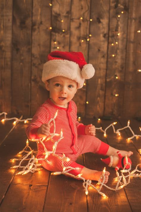 pictures to take with your baby at christmas