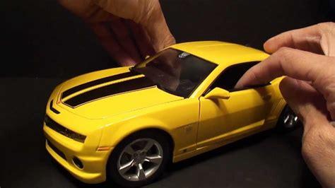 Miniatur Kue Cars By Bee maisto 1 18 2010 chevy camaro aka bumblebee diecast review