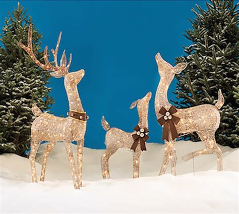 liteup xmas trees and reindeer outdoor deer with lights light up reindeer outdoor triachnid