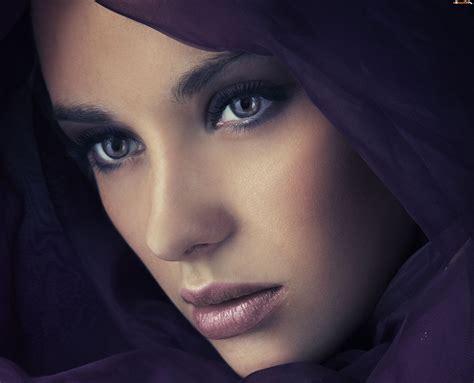 arab girls hd wallpaper 14 classy wallpapers hd zamyślona kobieta twarz chusta tapeta na pulpit