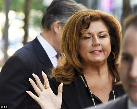 abby lee miller going to jail or coming back to work dance moms abby lee miller sentenced to prison daily