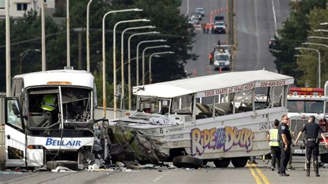 duck boat tours arkansas duck boat accident kills 17 in missouri a look back at