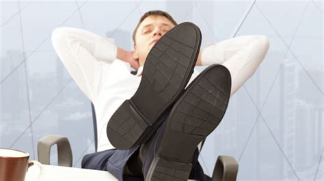 9 Things Never To Do At Work by Post Grad Problems Forbes 10 Things To Never Do At Work