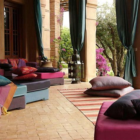 choosing floor cushions   modern home interior design ideas  architecture designs