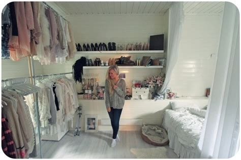 Bedroom Inspiration We It Inspiration Suitcase Pieces Of Sally P