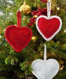 Christmas love hearts crochet pattern red heart