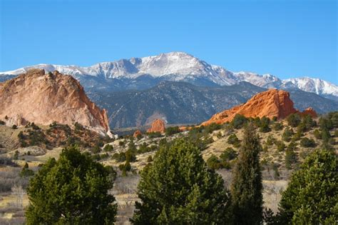 Garden Of The Gods Or Pikes Peak Pikes Peak From Garden Of The Gods Amazing Places I