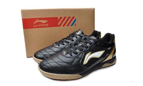 Sepatu Futsal Merk Carvil jadi anak futsal 5 merk sepatu futsal anti mainstream