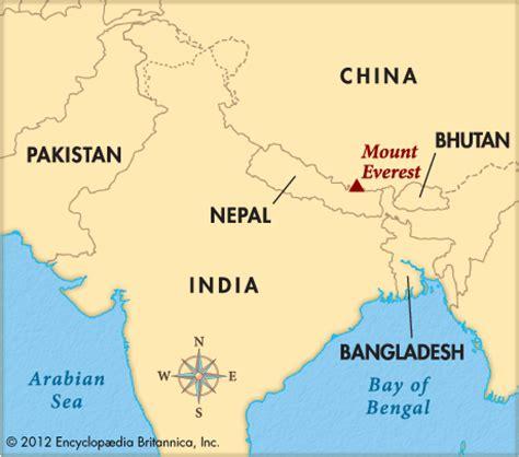 where is mt everest on a world map everest mount encyclopedia children s homework