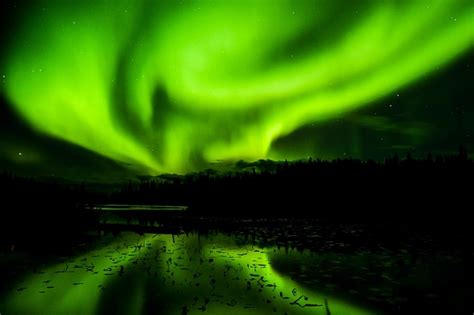 best to see northern lights in iceland 2017 best times best places to see the northern lights in