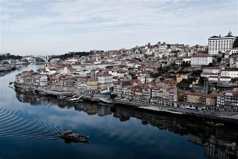 guida porto porto guide the essential guide to travel in