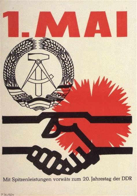doodle kommunismus tag der arbeit starke frau stemmt doodle