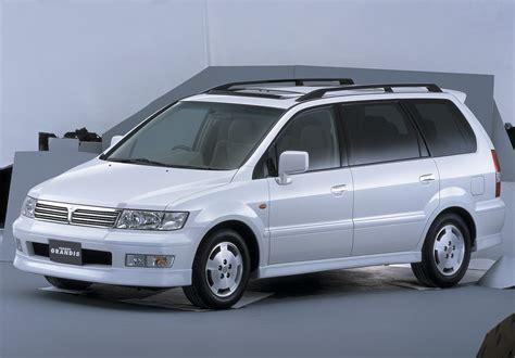 mitsubishi grandis mitsubishi chariot grandis 10 1997 06 2000