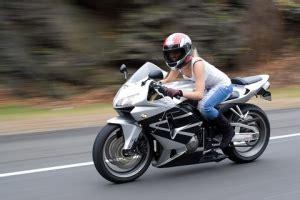 Motorradfahren Wie Gef Hrlich by Verkehrserziehung Wie Bringt Motorradraser Zur