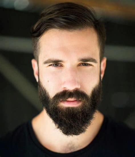 Model Barbe Homme
