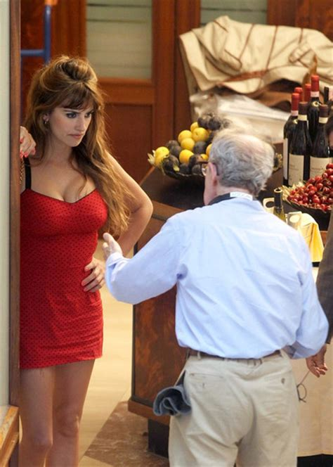 Penelope To In New Woody Allen by Woody Allen Pictures Woody Allen And Penelope On