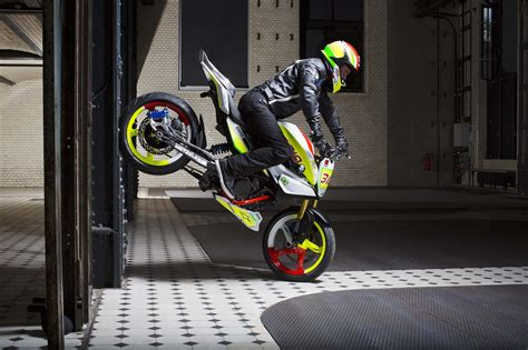 Modified Bikes For Stunts by Bmw Concept Stunt G 310 Hints At 300cc Models To Come