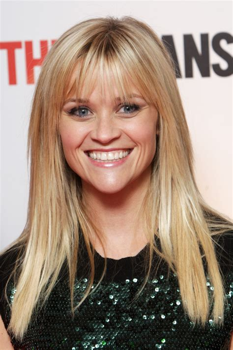 how to cut reese witherspoon bangs reese witherspoon s long straight haircut with bangs
