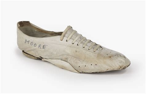 blue ribbon sports shoes bill bowerman nike s original innovator nike news