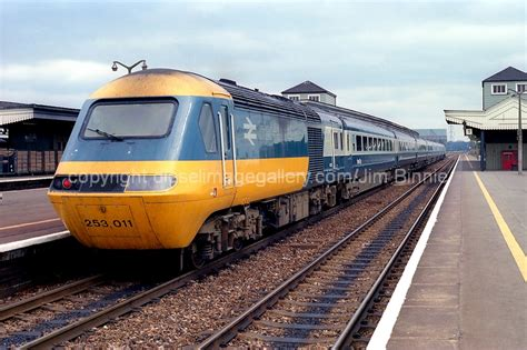Modern Baseboard class 43 0 no 253011 w43022 in inter city 125 livery at