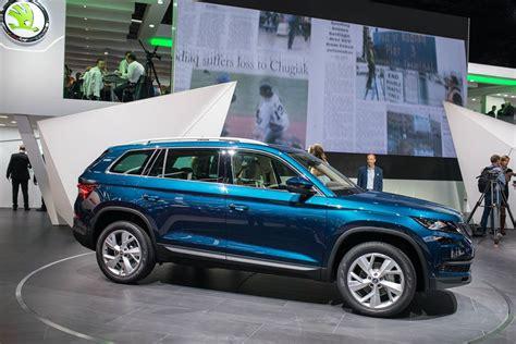 skoda kodiaq side skoda kodiaq side unveiled in indian autos