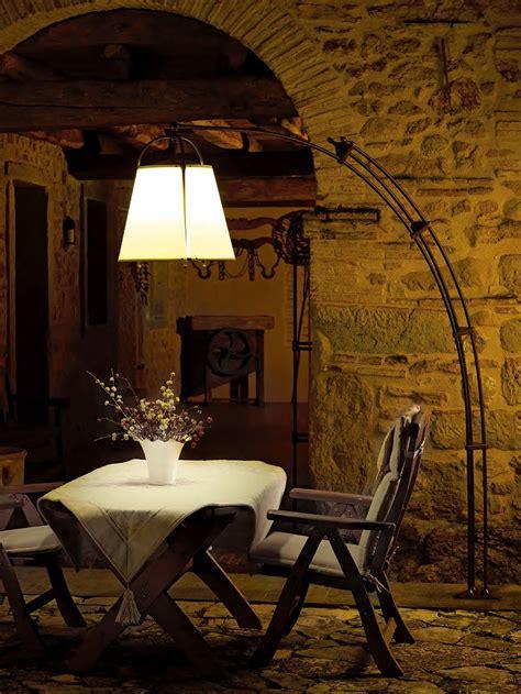 aldo bernardi illuminazione lada da terra in ottone corbezzolo by aldo bernardi