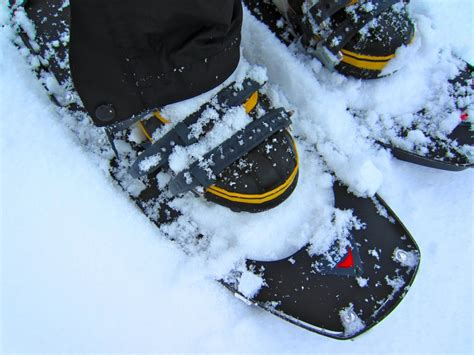 snow shoes how to choose the best snowshoes outdoorgearlab