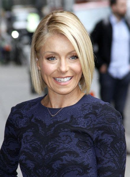 regis bob hairstyles 17 best images about kelly ripa on pinterest kelly ripa