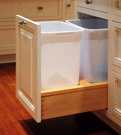 kitchen trash can ideas 1000 ideas about trash can cabinet on pinterest diy