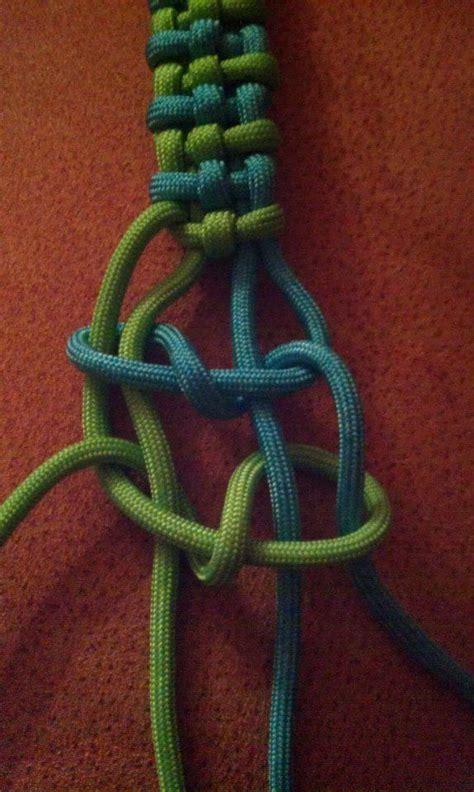 Macrame Knot Tutorial - tutorials by dman mcq swiss paracord
