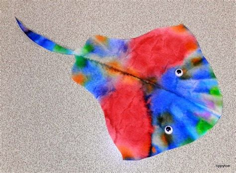 tippytoe crafts coffee filter stingray around