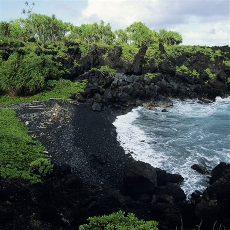 black sand beaches hawaii the most beautiful secluded beaches in hawaii usa today