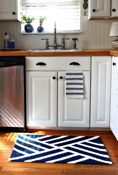Diy Kitchen Rug 17 Best Ideas About Paint Rug On Pinterest Painting Rugs Paint A Rug And Painted Porch Floors