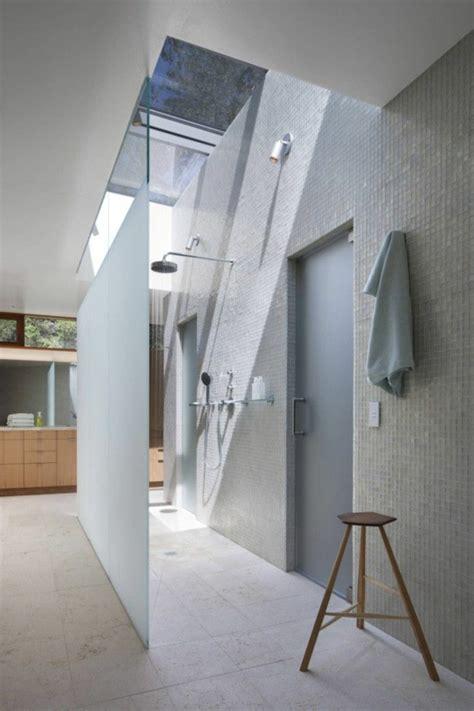 Superbe Construire Sa Salle De Bain #5: moderne-salle-de-bain-sous-pente.jpg