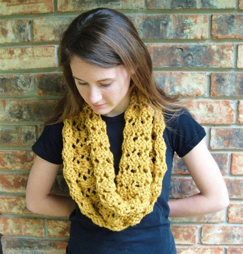 pattern for simple knitted cowl cowl free knitting pattern yarn needles pinterest