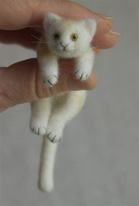needle felted kittens how to create and lifelike cats from wool books monkey said needle felting