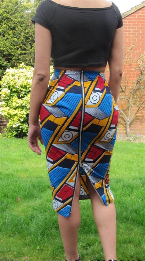 print high waisted pencil skirt with metal