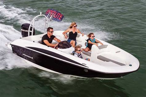 bayliner hits boat the best boats for your money trailering boatus magazine