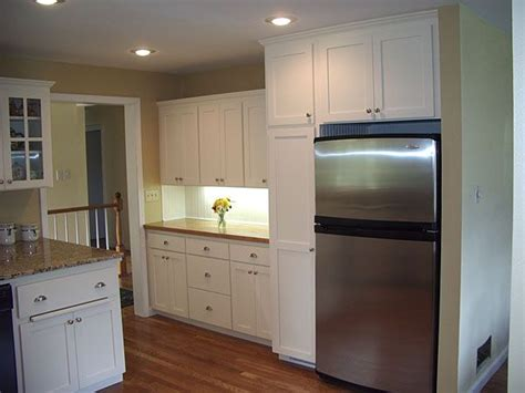 kitchen cabinets around refrigerator 25 best ideas about refrigerator cabinet on