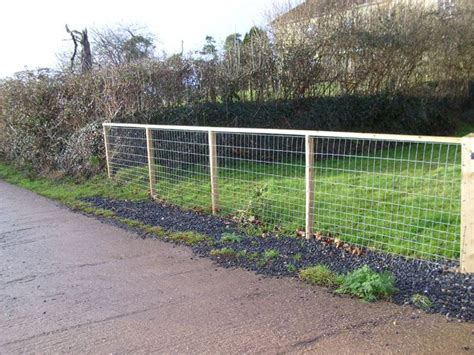 Garden Fencing Ideas Do Yourself 88 Best Images About S Fence Board On Fence Design Rail Fence And Country Fences