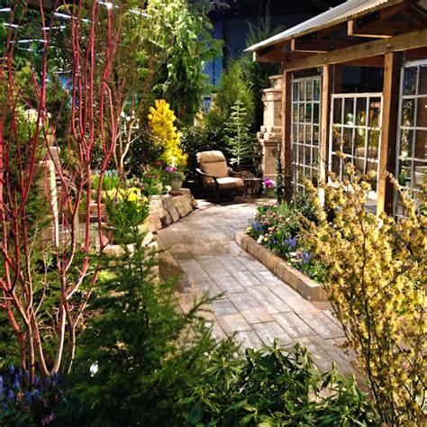 hot design tips  portland yard garden patio show